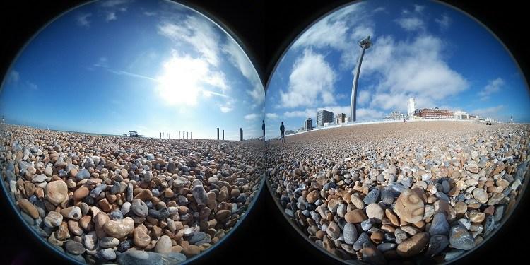 Bằng cách sử dụng một phần mềm tự động, máy ảnh 360 độ sẽ khâu mỗi bên của  hình ảnh với nhau để tạo ra hình ảnh 360° hình ảnh sẽ trông ...