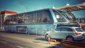 Trung Quốc: Xe bus chống tắc đường trở thành nỗi kinh hoàng