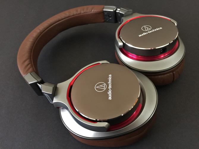 Nếu như nhu cầu cách âm và trải nghiệm đeo êm ái khi thưởng thức âm nhạc là bắt buộc, và nếu như bạn không thể bỏ ra những khoản chi phí khổng lồ cho tai nghe, hãy tìm tới những lựa chọn tầm trung của Audio Technica, Fostex và Sennheiser.