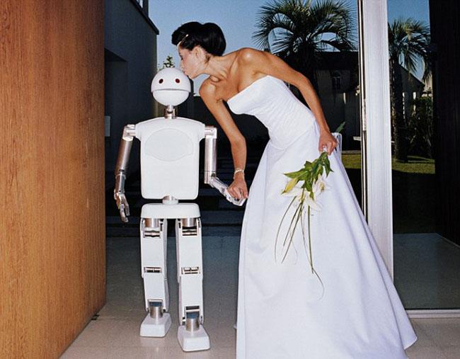 Đến năm 2050 con người sẽ cưới robot? - ảnh 3