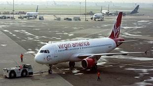 Máy bay suýt phải hạ cánh vì khách phát WiFi có tên Note 7