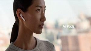"""Tim Cook gọi tai nghe AirPods là """"một thành công vang dội"""""""