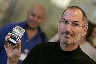 Steve Jobs đã cứu con thuyền sắp đắm Apple như thế nào?
