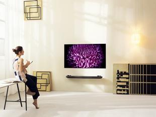 """[CES 2017] LG giới thiệu TV OLED """"mỏng như giấy dán tường"""""""