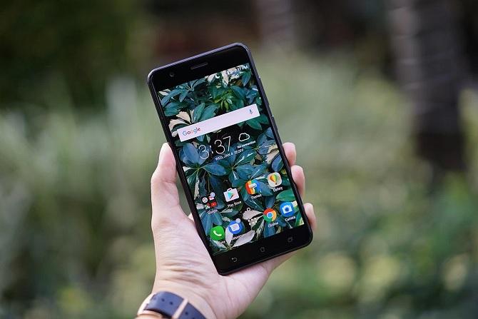 Trên tay ASUS ZenFone 3 Zoom: camera kép, pin 5000 mAh, chipset Snapdragon 625