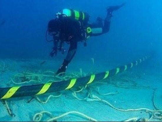 Tới 30 Tết mới tiếp cận được cáp quang biển AAG để sửa