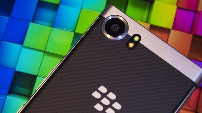 Sự trở lại của Nokia và BlackBerry