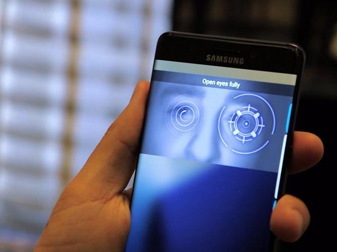 """8 lí do có thể khiến người dùng iPhone """"phấn khích"""" với Galaxy S8"""