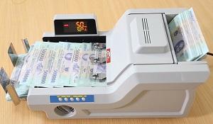 Trên tay máy đếm tiền Silicon MC-8800: 1000 tờ/phút, phát hiện tiền giả