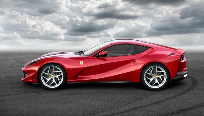 Ferrari ra mắt chiếc 812 Superfast dành cho sinh nhật thứ 70