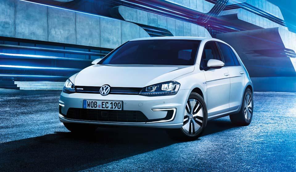 Volkswagen công bố xe điện Golf, chạy được 200 km