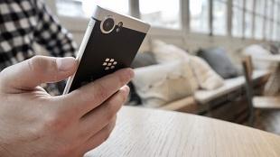 """Trên tay nhanh BlackBerry KEYone: dành cho fan """"cuồng"""" BlackBerry"""