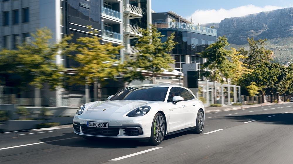 Porsche Panamera Sport Turismo tại Việt Nam giá từ 5,4 tỷ đồng