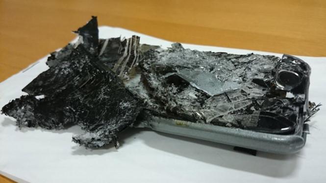 Cách xử lý khi điện thoại bất ngờ bốc cháy