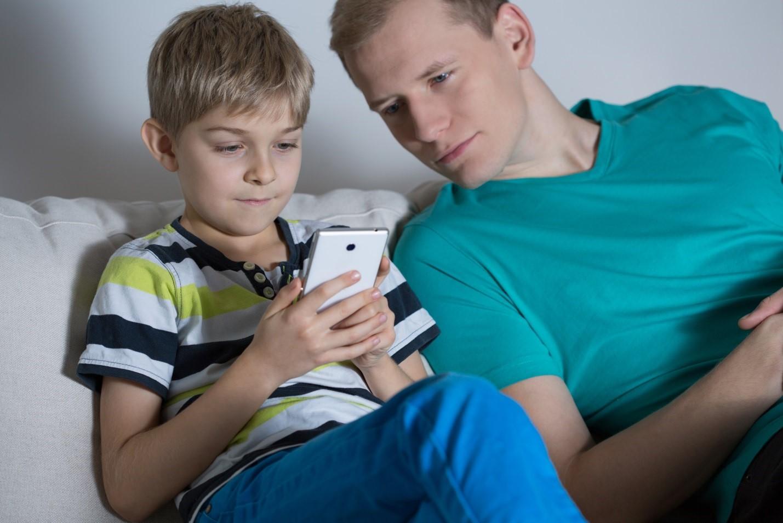 Những giải pháp bảo vệ trẻ thời công nghệ
