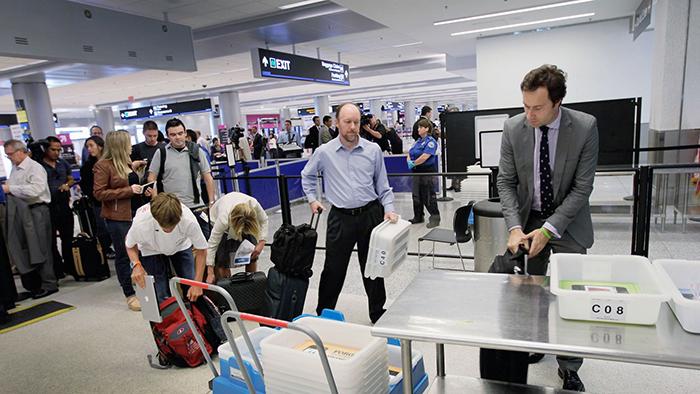 Khủng bố cài bom trong laptop để qua mặt an ninh sân bay