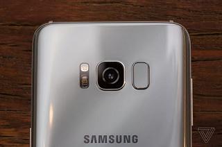 Cảm biến vân tay trên Galaxy S8 là thay đổi phút chót của Samsung
