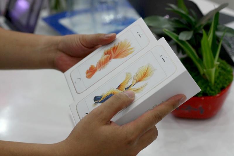 iPhone trôi nổi bị từ chối bảo hành, đòn giáng cho thị trường xách tay