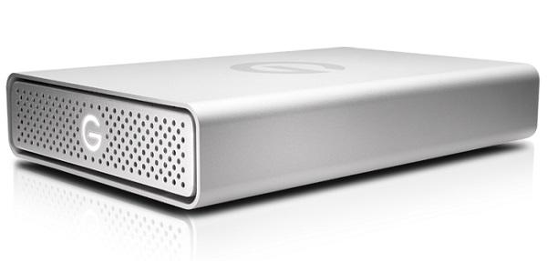 Ổ cứng sử dụng cổng USB-C, có thể sạc cho laptop