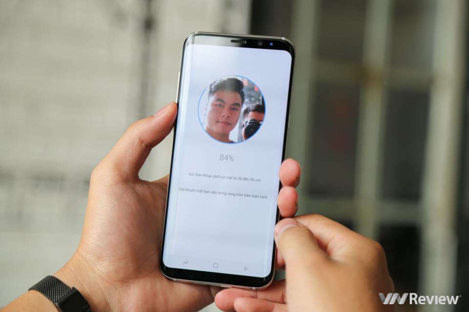 Trên tay Galaxy S8 Plus vừa về Việt Nam, giá 19 triệu đồng