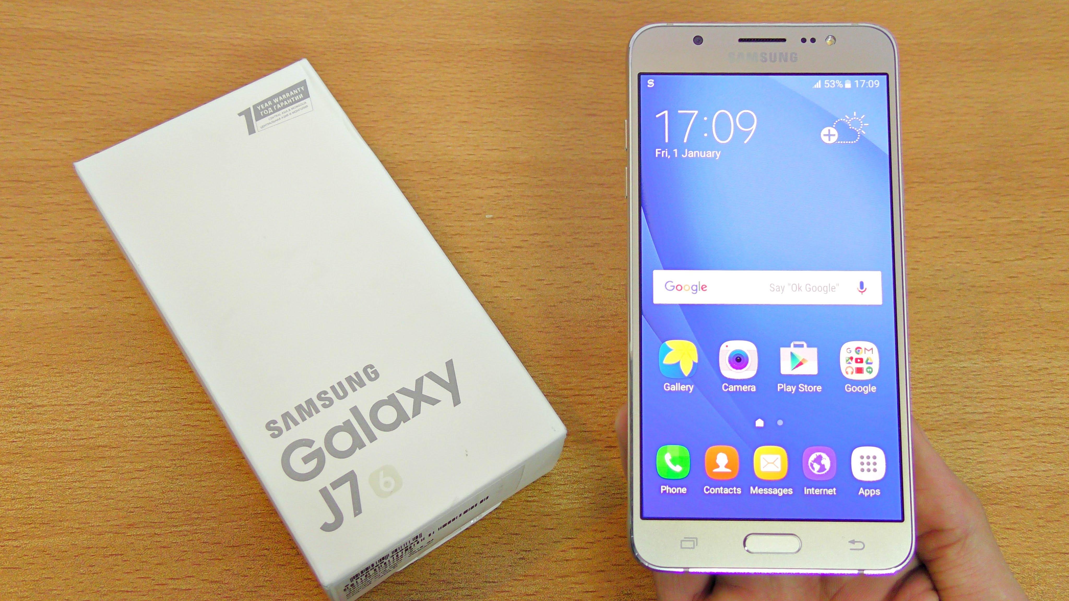 Giá hot ngày 14/4: Galaxy J7 2016 chỉ còn 3,6 triệu đồng