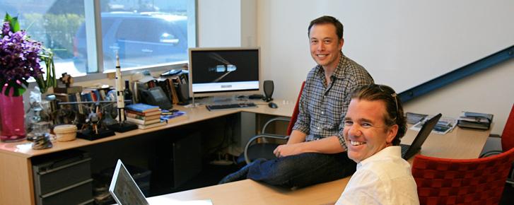 Để hiểu các thiên tài Elon Musk, Edison và Zuckerberg, hãy nhìn bàn làm việc của họ