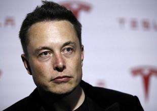 Elon Musk đang phát triển dự án liên kết não người với máy tính