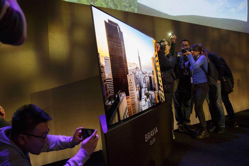 Sony ra mắt TV 4K mới, tích hợp loa vào màn hình