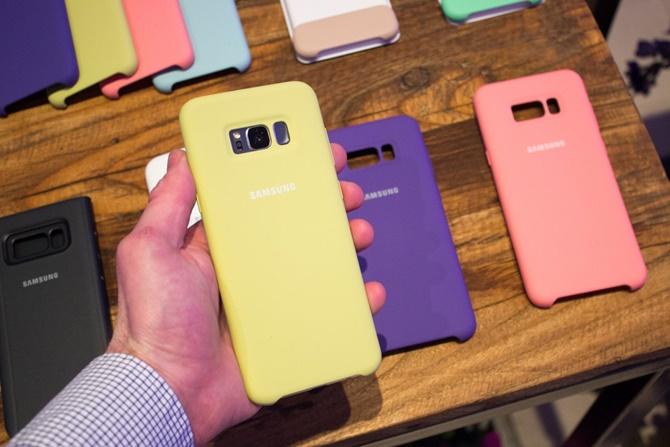 Galaxy S8 là một chiếc điện thoại đẹp nhưng mong manh?