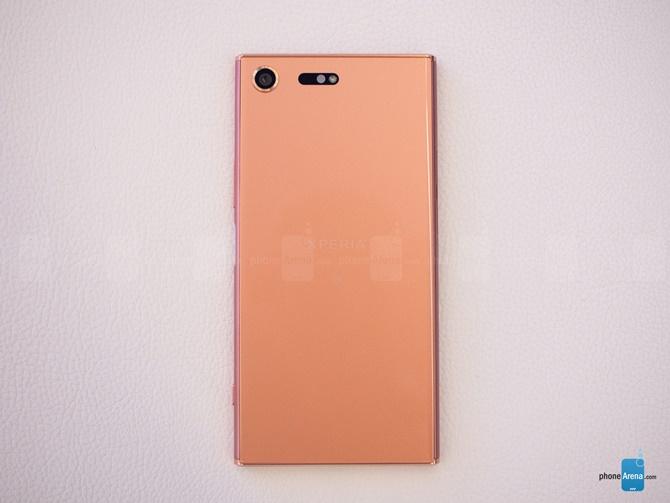 Bộ ảnh trên tay phiên bản Bronze Pink Sony Xperia XZ Premium