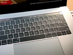 Apple mặc kệ khách hàng phàn nàn MacBook Pro 2016 gặp lỗi phát tiếng kêu kì lạ