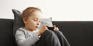 iPad, smartphone làm trẻ chậm nói