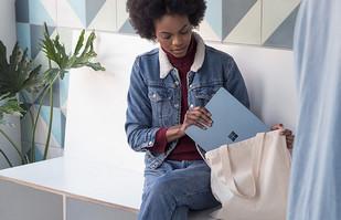 9 điểm vượt trội của Surface Laptop so với Macbook