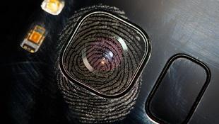 Camera bám dấu vân tay ảnh hưởng thế nào đến ảnh chụp?