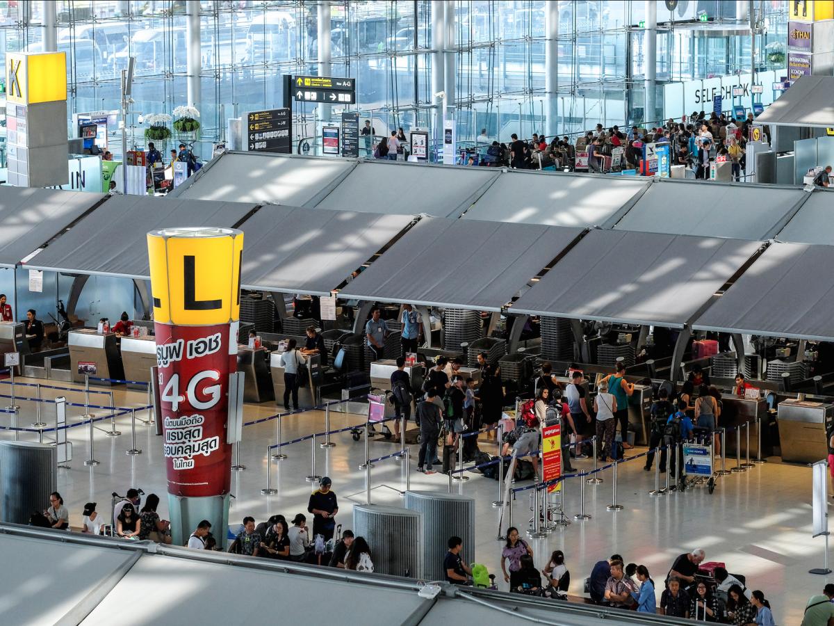 Tân Sơn Nhất và Nội Bài lọt top 100 sân bay bận rộn nhất thế giới 2016 - ảnh 1