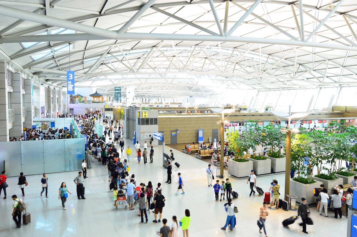Tân Sơn Nhất và Nội Bài lọt top 100 sân bay bận rộn nhất thế giới 2016 - ảnh 2