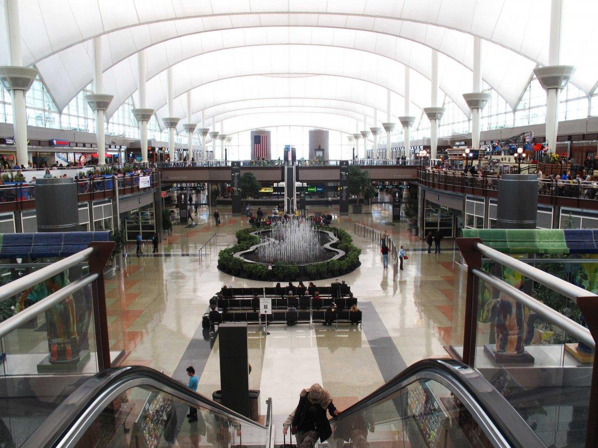 Tân Sơn Nhất và Nội Bài lọt top 100 sân bay bận rộn nhất thế giới 2016 - ảnh 3