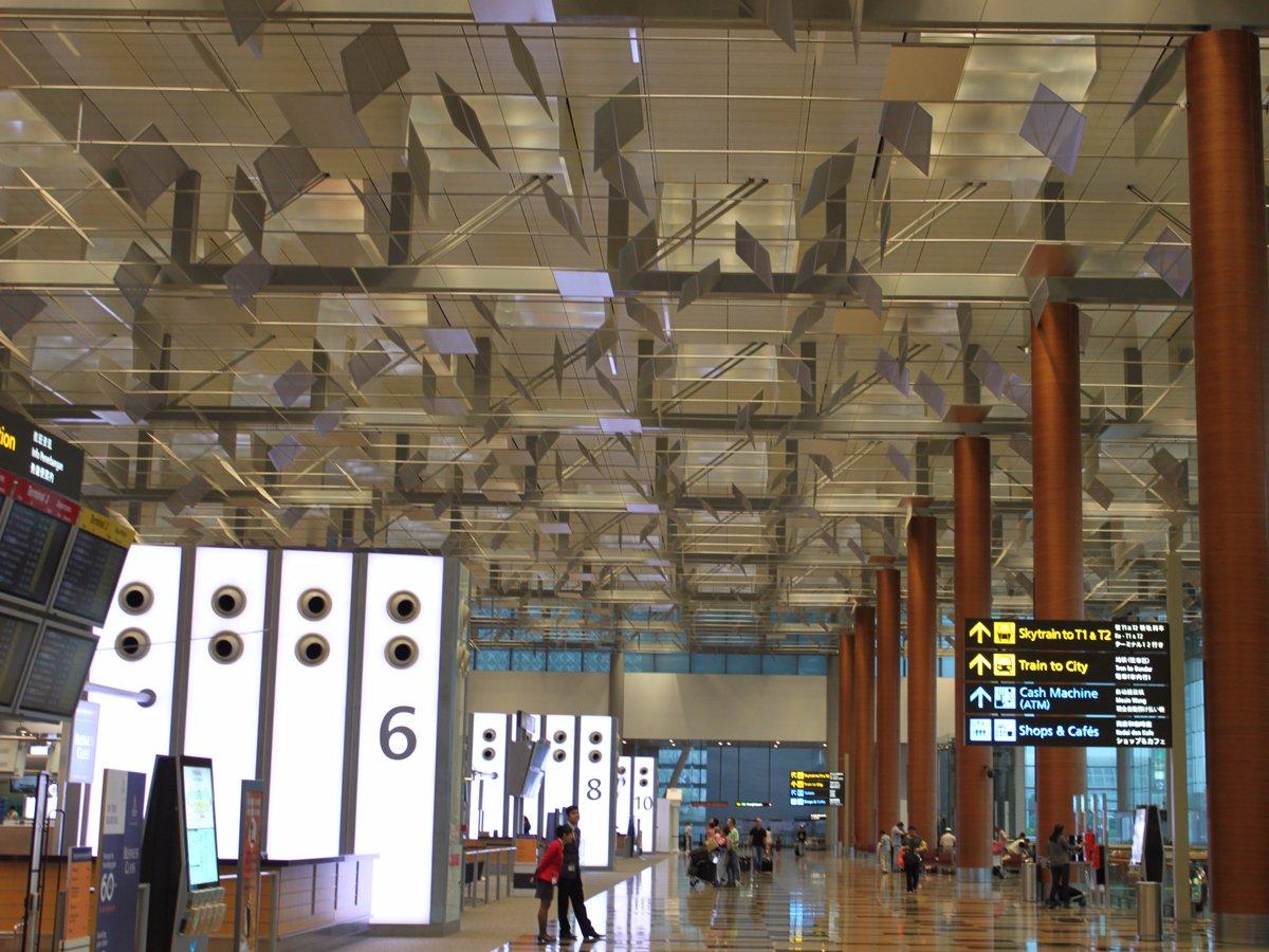 Tân Sơn Nhất và Nội Bài lọt top 100 sân bay bận rộn nhất thế giới 2016 - ảnh 4