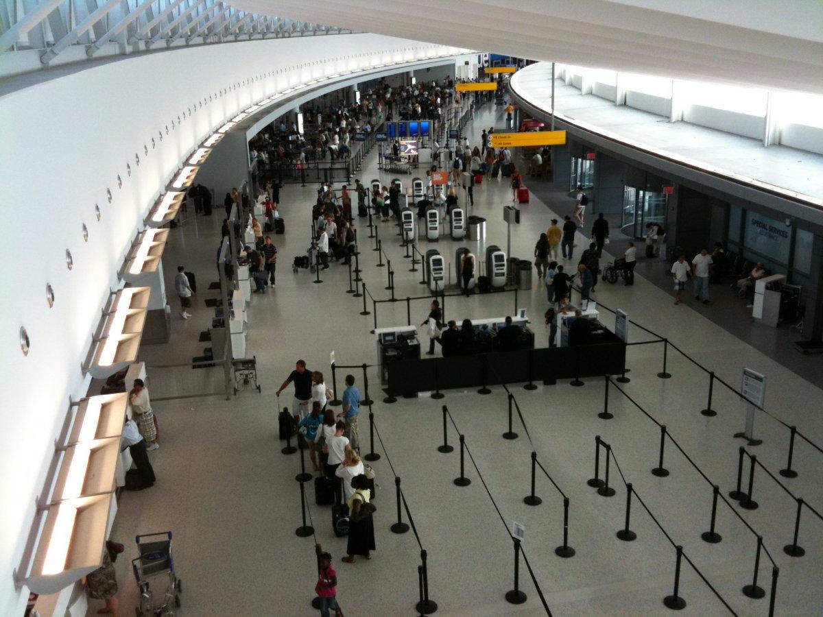 Tân Sơn Nhất và Nội Bài lọt top 100 sân bay bận rộn nhất thế giới 2016 - ảnh 5