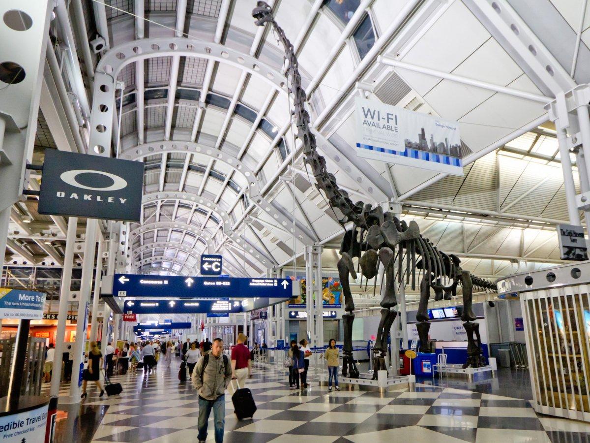 Tân Sơn Nhất và Nội Bài lọt top 100 sân bay bận rộn nhất thế giới 2016 - ảnh 15