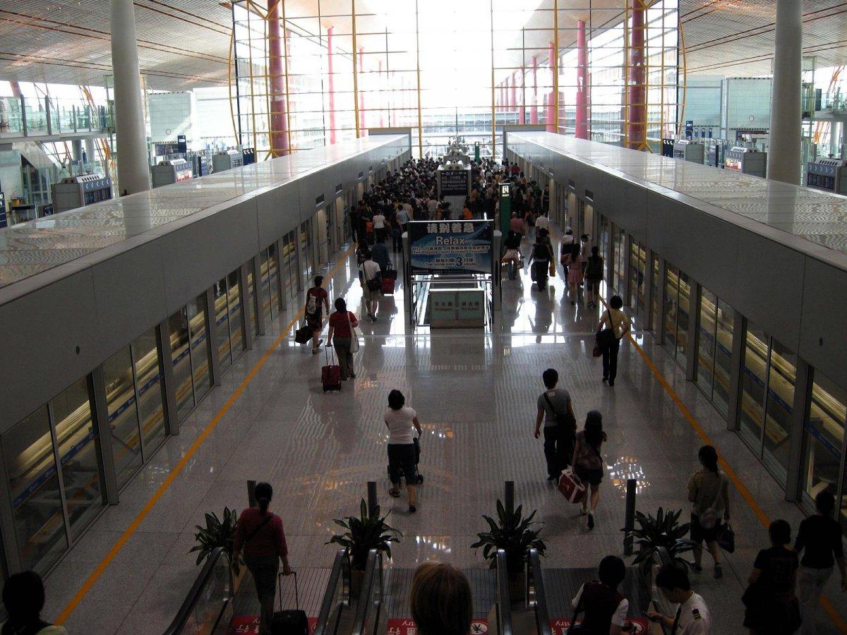 Tân Sơn Nhất và Nội Bài lọt top 100 sân bay bận rộn nhất thế giới 2016 - ảnh 19
