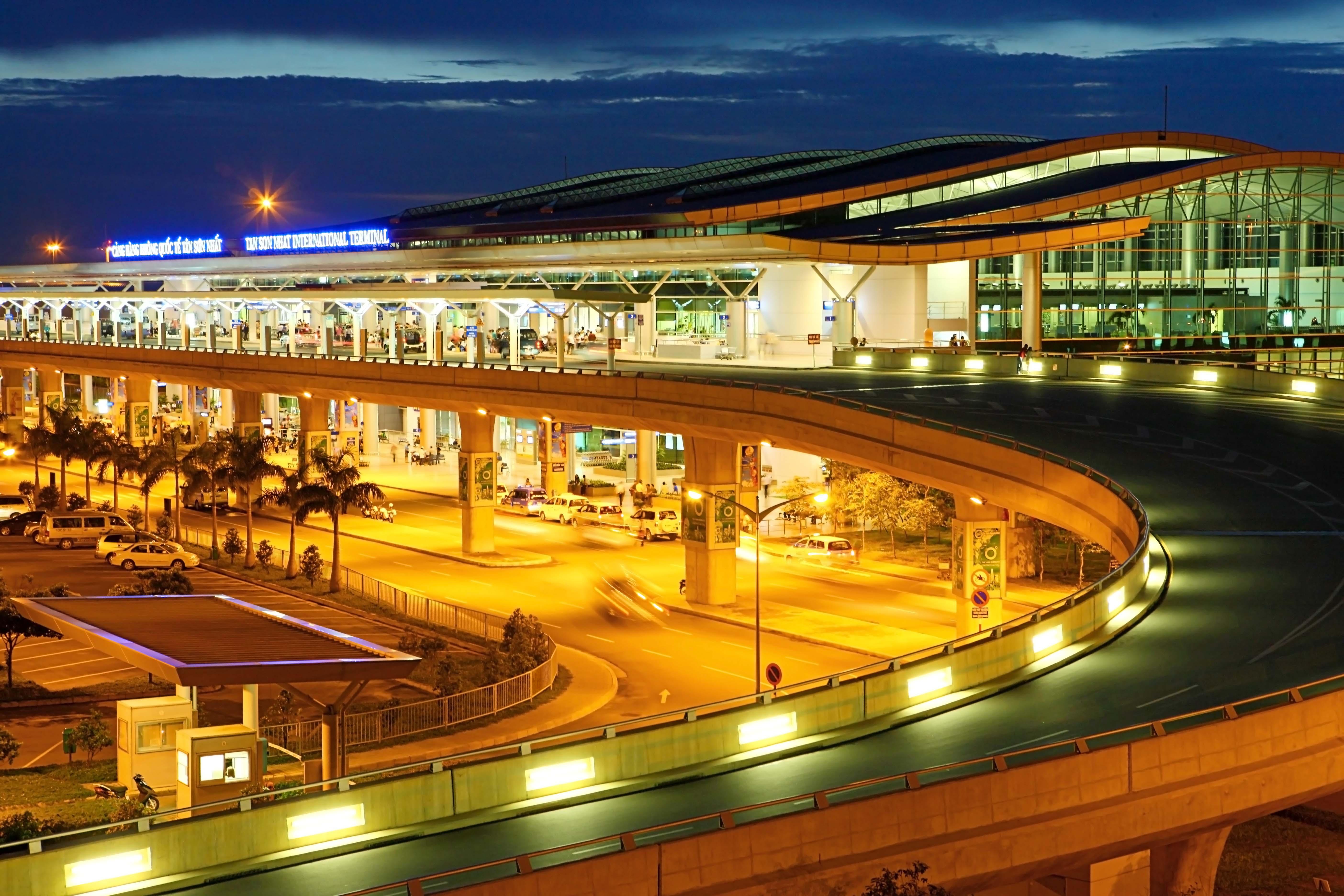 Tân Sơn Nhất và Nội Bài lọt top 100 sân bay bận rộn nhất thế giới 2016 - ảnh 21
