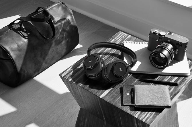 Leica lấn sân sang mảng tai nghe bằng cách kết hợp cùng Master & Dynamic