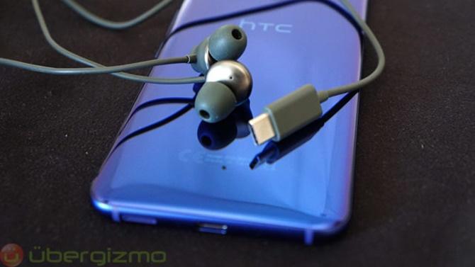 Tính năng khử tiếng ồn trên tai nghe của HTC chỉ mới hoạt động với HTC U11