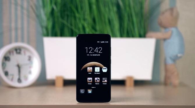 """Smartphone """"pin khủng"""" P2 giảm giá mạnh"""