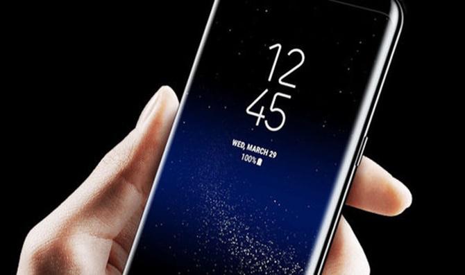 Tại sao tính năng tồi tệ nhất này lại xuất hiện trên Galaxy S8