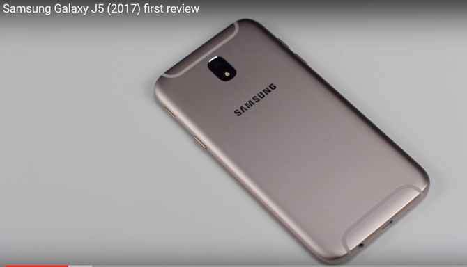 Samsung Galaxy J7 (2017), Galaxy J5 (2017) bất ngờ lộ diện