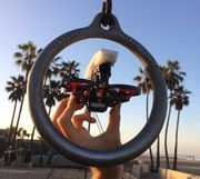 Ngỡ ngàng với những cảnh quay từ drone nhẹ nhất thế giới