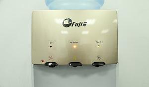 Trên tay cây nước nóng lạnh FujiE WDBD20C: làm lạnh như tủ lạnh, 3 vòi nước, giá 2,45 triệu đồng