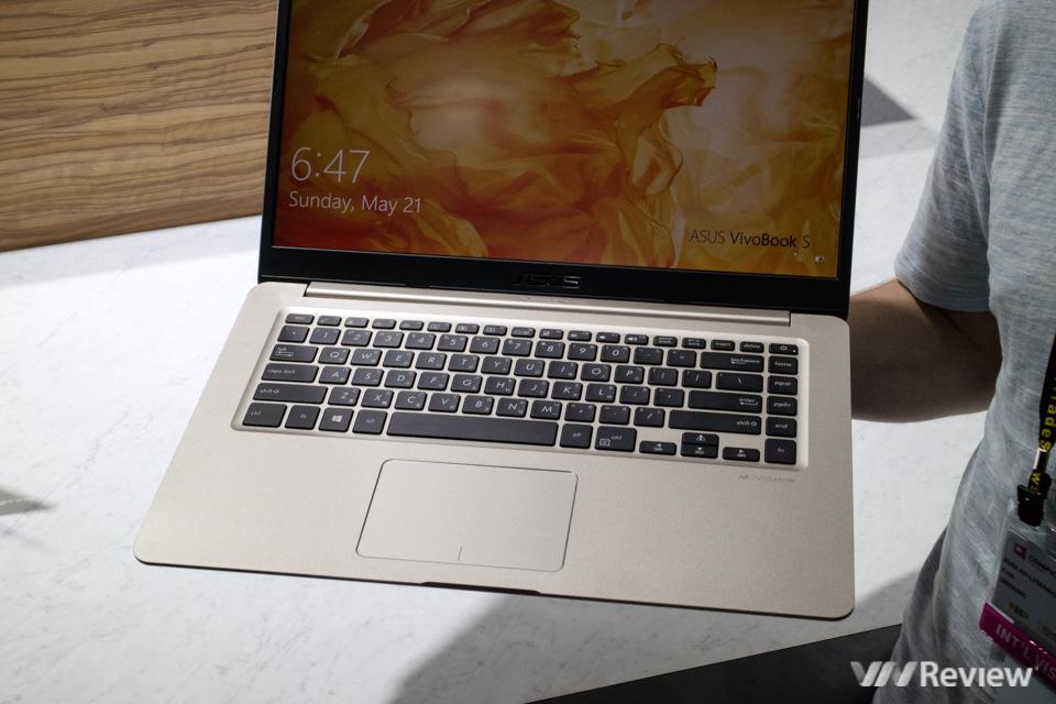 [Computex 2017] Asus ra VivoBook S: laptop phổ thông giá chỉ 500 USD